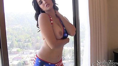 Xjona.Com - Hot Sunny Leone Webcam - Join Free http://xjona.com